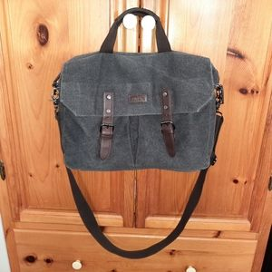 Roots crossbody/ laptop bag